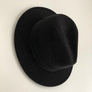H&M Black Felt Short-brimmed Hat